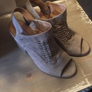Wedges size 9 1/2 M from buckle